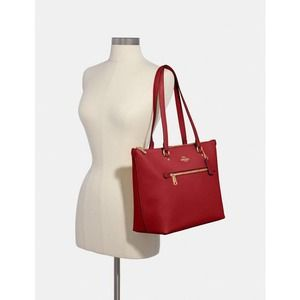 Coach leather classic red tote shoulder bag NWT